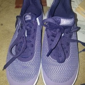 NWOT NIKE Shoes